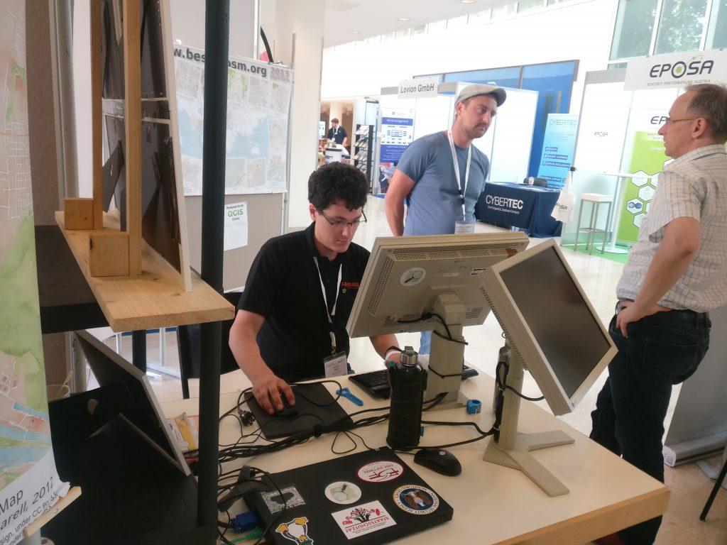 Markus am OSM Stand
